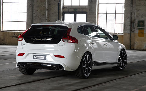 HEICO SPORTIV Volvo Tuning V40 (525) with black stripes, rear (1)