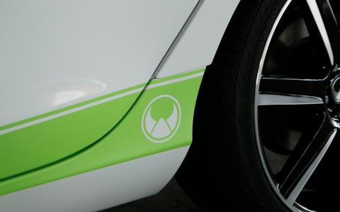 HEICO SPORTIV Volvo Tuning V40 (525) Detail green HEICO stripes (1)