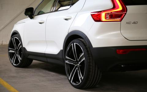 "HEICO SPORTIV Volvo XC40 (536) rear with VOLUTION V. 22"" (3)"